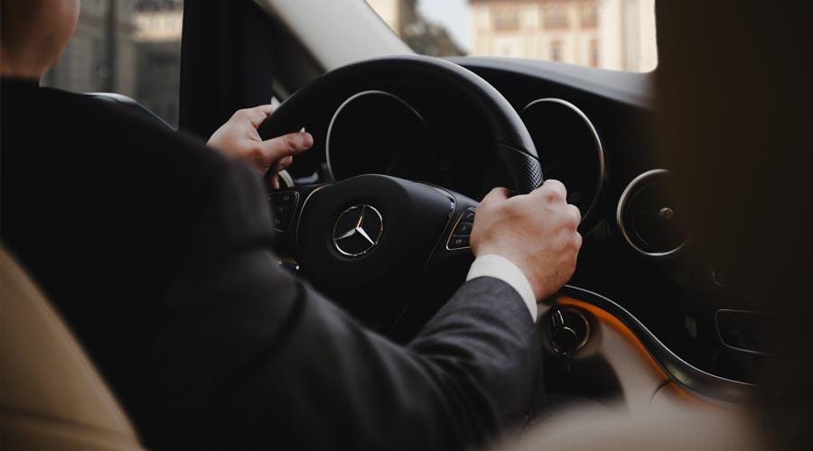 Mercedes con conducente