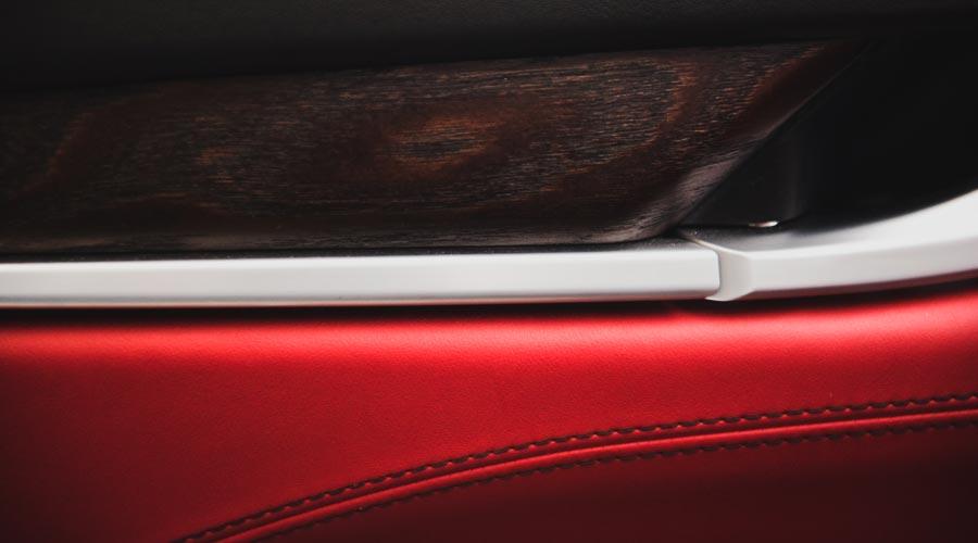 Maserati 4 porte a noleggio con conducente
